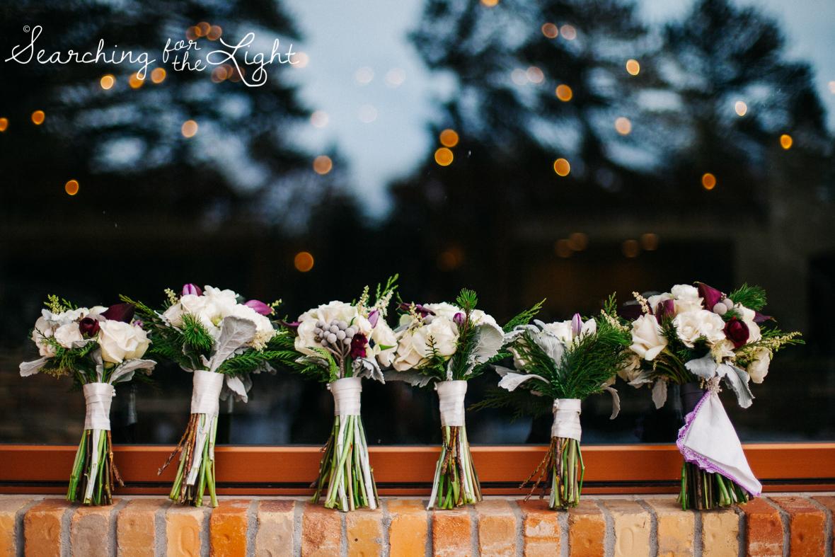 colorado wedding photographer, winter estes park wedding, winter wedding, wedding flowers