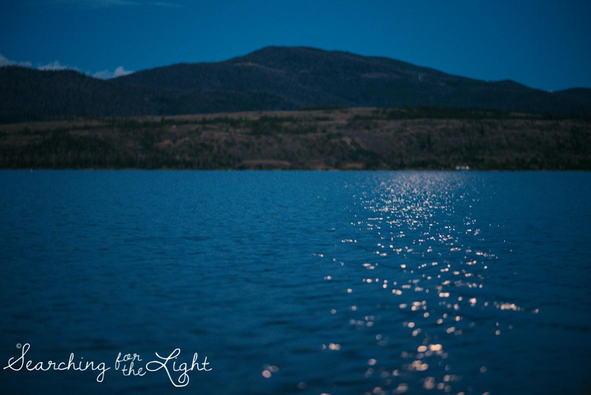 36lake-engagement-photos-lake-dillon-colorado-wedding-photos_125-2.jpg