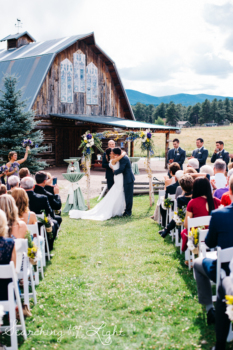 049evergreen_barn_wedding_photos_mountain_wedding_photographer_courtney&kirby_2005-2049.jpg