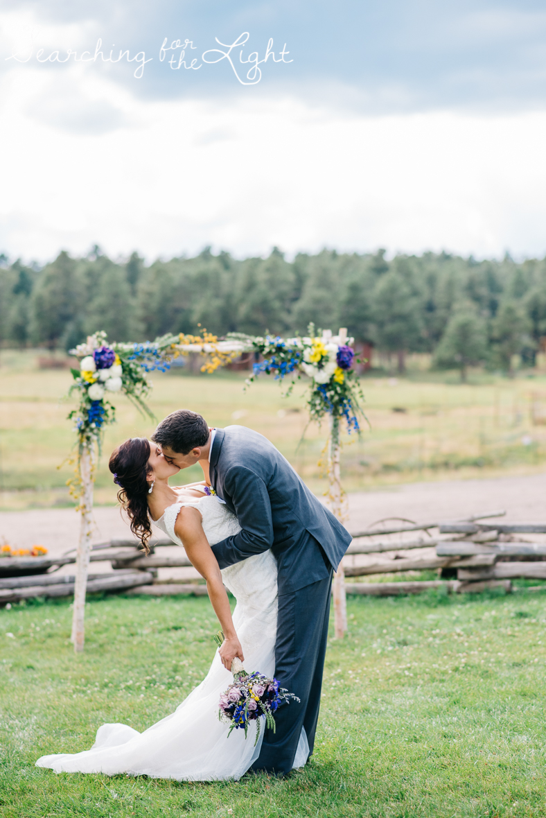 050evergreen_barn_wedding_photos_mountain_wedding_photographer_courtney&kirby_2629050.jpg