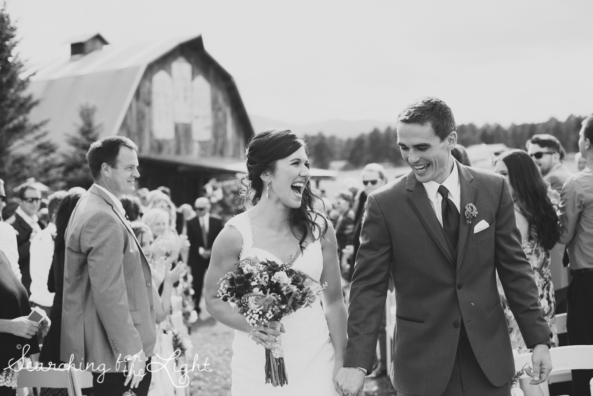 051evergreen_barn_wedding_photos_mountain_wedding_photographer_courtney&kirby_2055-2_bw051.jpg