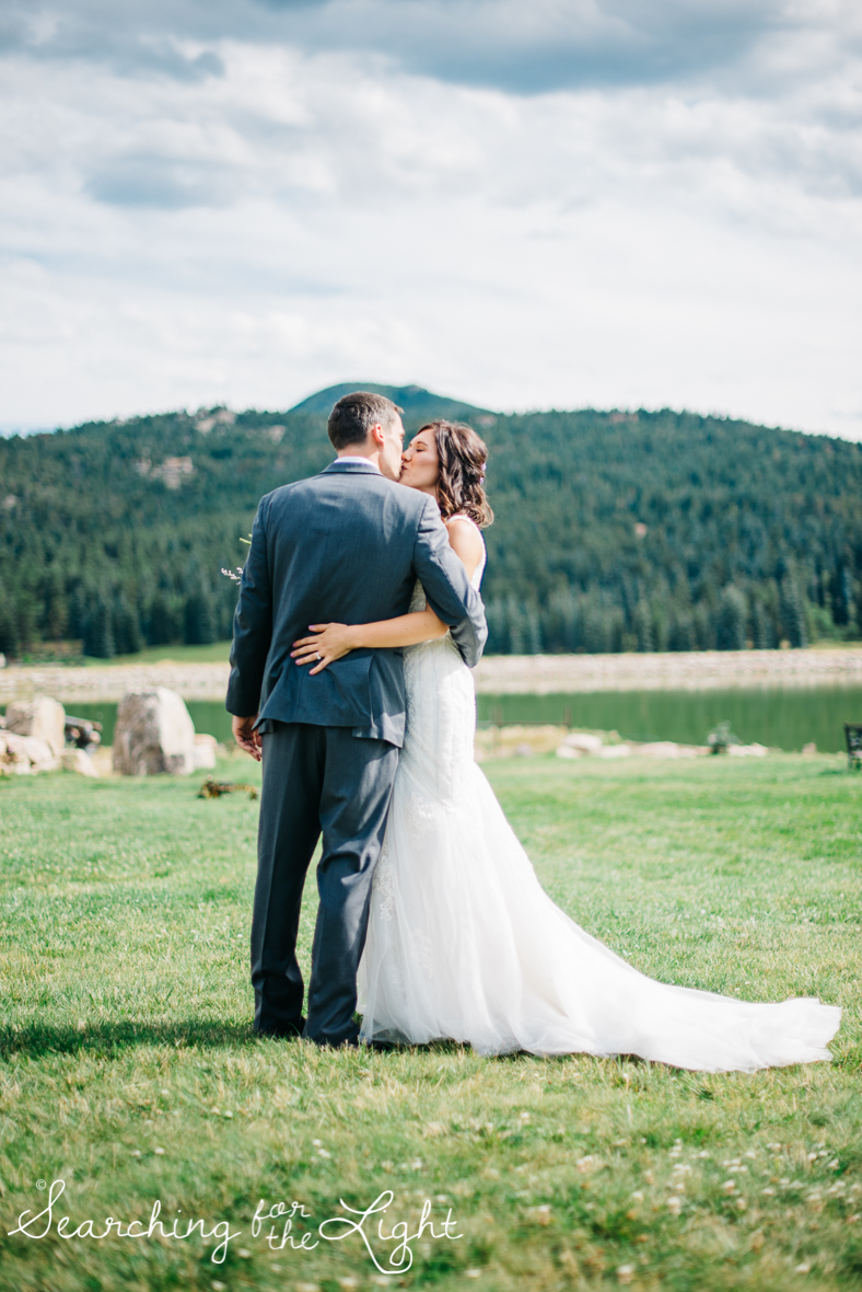 055evergreen_barn_wedding_photos_mountain_wedding_photographer_courtney&kirby_2149055.jpg