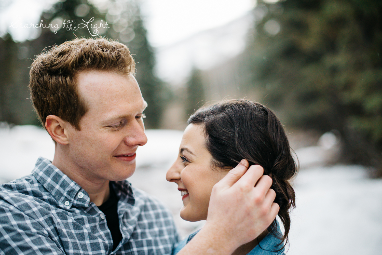 11-mountain-wedding-photographer-vail-engagement-photos-danielle&mark_engagement071.jpg