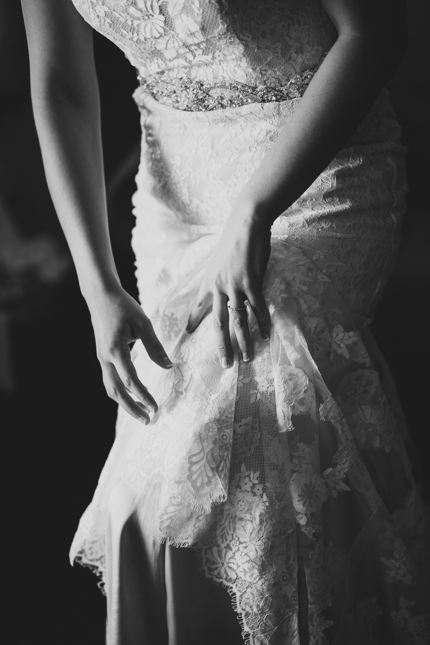 24elopement-photographer-colorado-026snow_mountain_ranch_wedding_colorado_wedding_photographer_kara&jason_0148_vintage_black_and_white_film.jpg