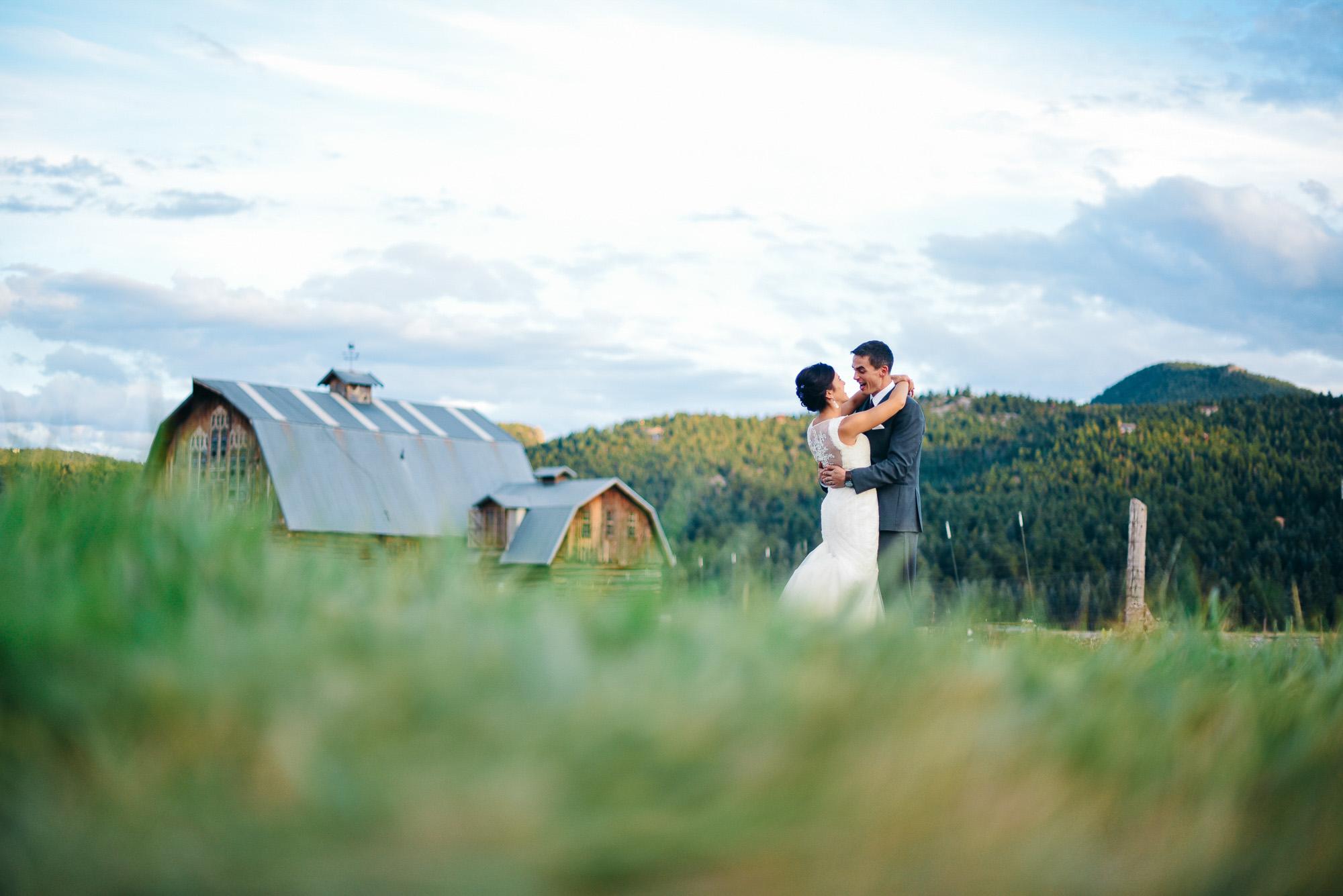 37elopement-photographer-colorado-evergreen_barn_wedding_photos_mountain_wedding_photographer_courtney&kirby_4016.jpg
