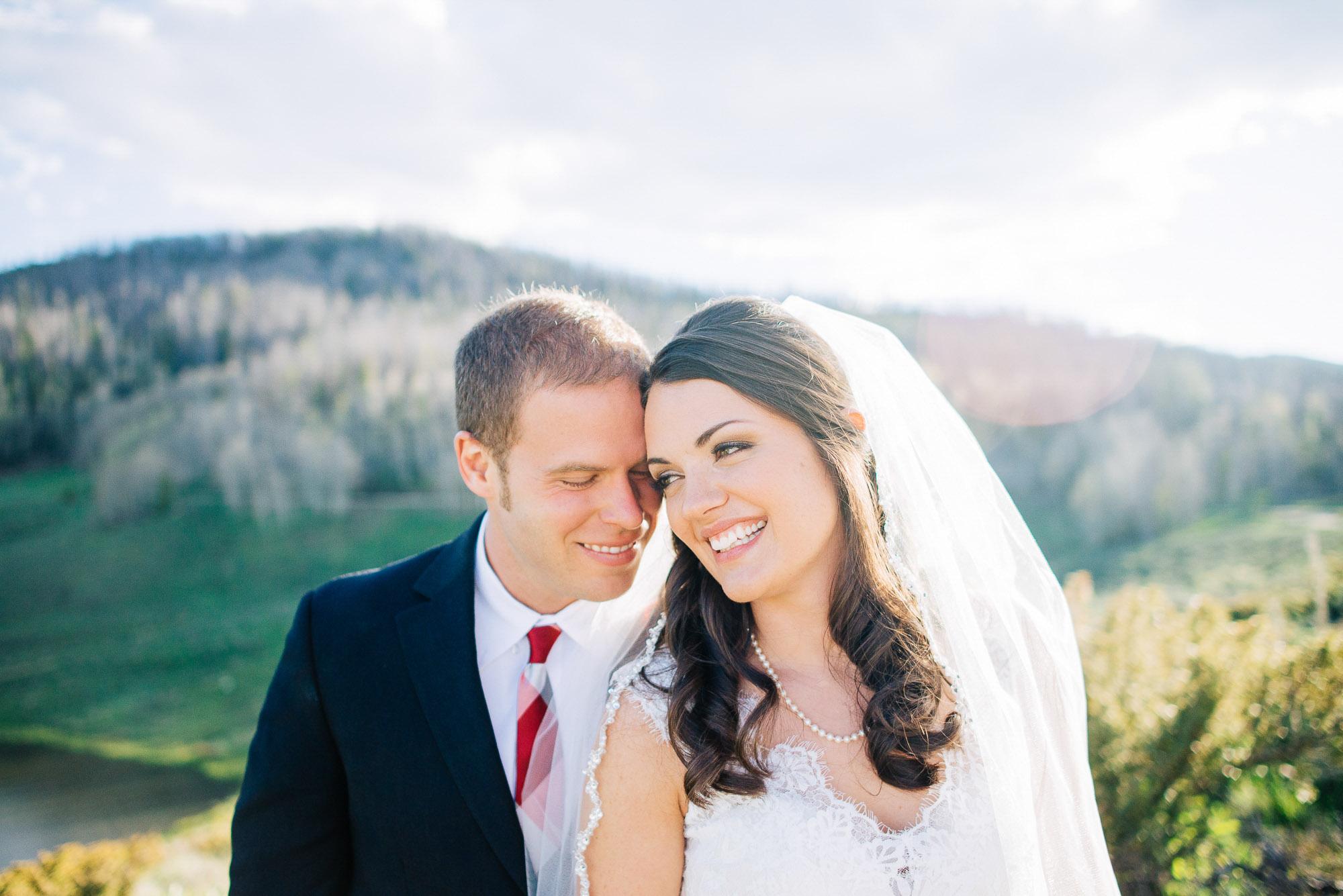 39elopement-photographer-colorado-001colorado-mountain-wedding-photographer-romantic-wedding-pictures_030.jpg