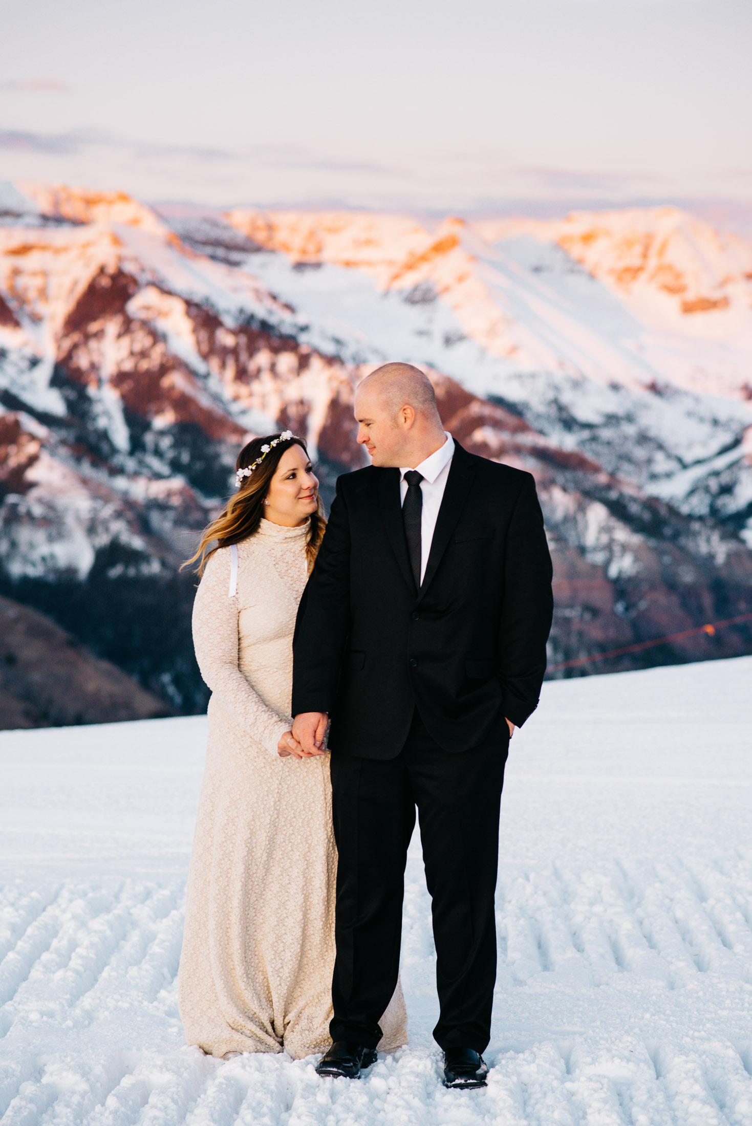 83elopement-photographer-colorado-telluride-winter-wedding-mountain-wedding-photographer-paige&chad-1035-2.jpg
