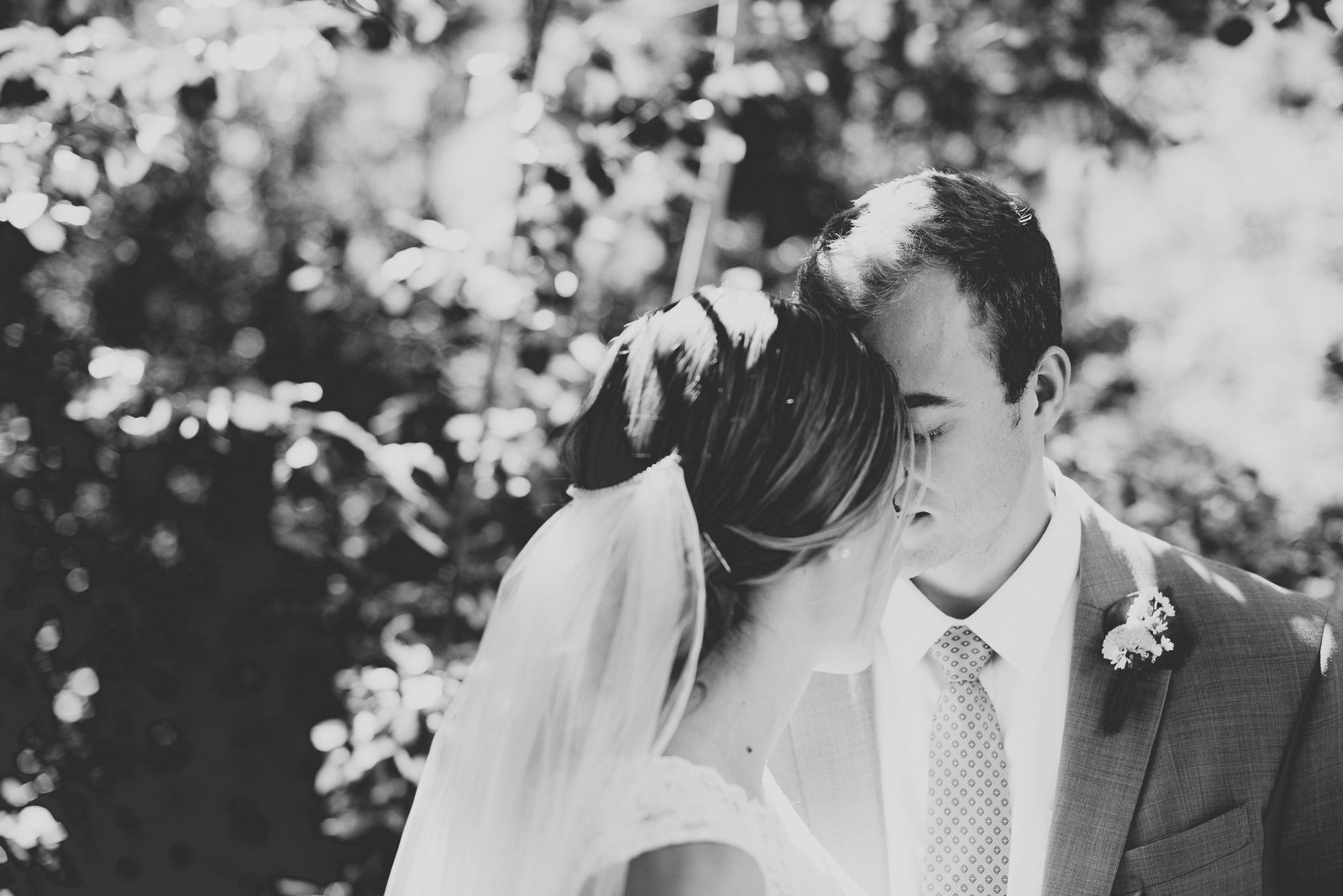 97elopement-photographer-colorado-colorado-mountain-wedding-photographer-romantic-wedding-pictures_043.jpg