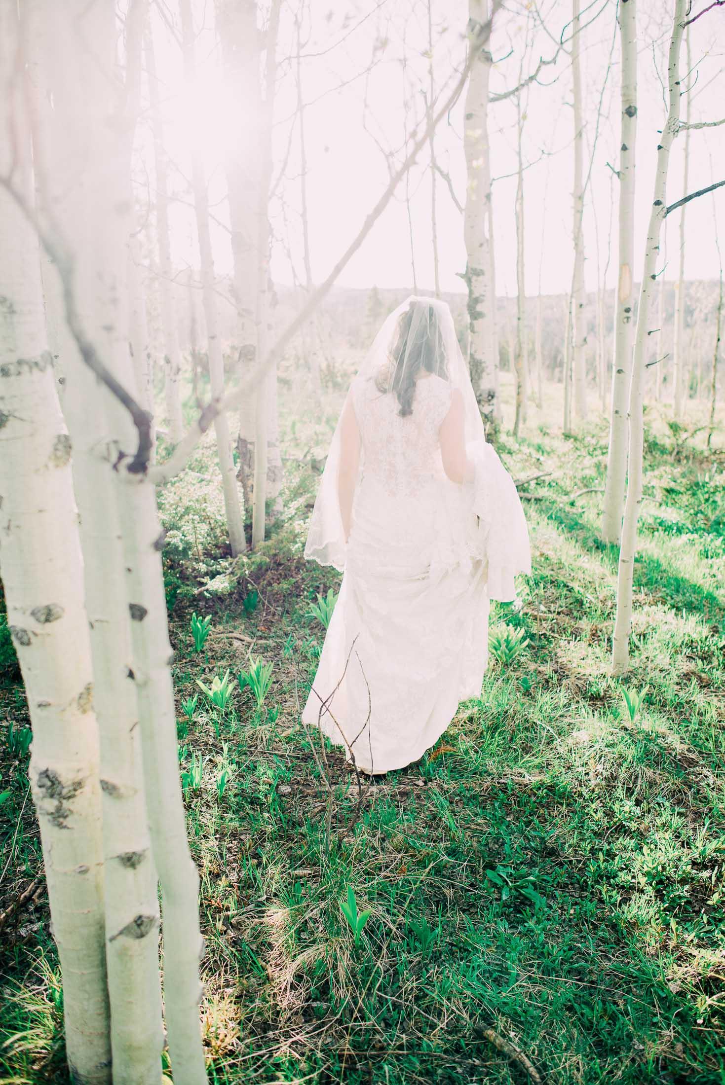 117elopement-photographer-colorado-115colorado-mountain-wedding-photographer-romantic-wedding-pictures_023.jpg