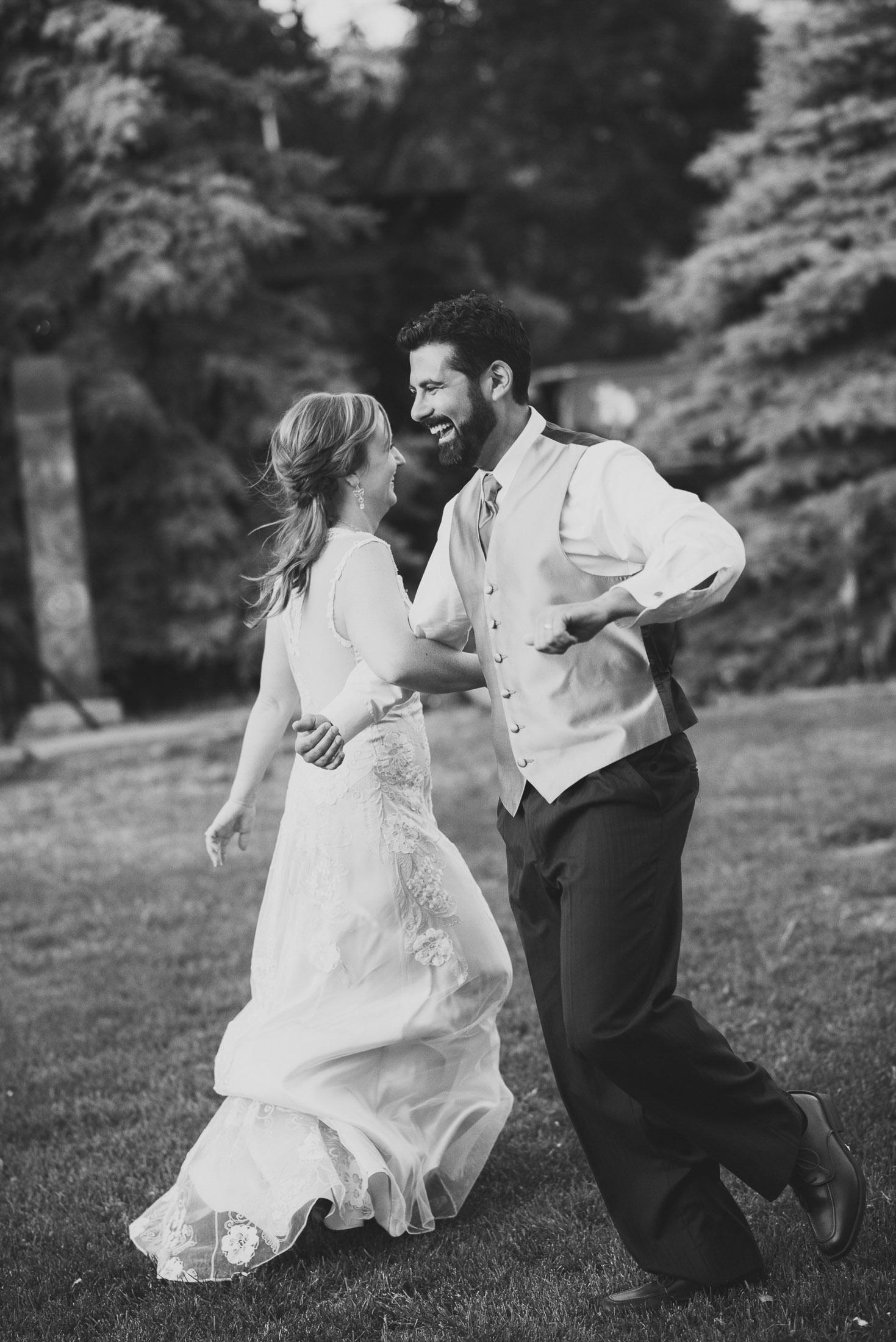 145elopement-photographer-colorado-christy&eric_denver_wedding_photographer1847_bw.jpg