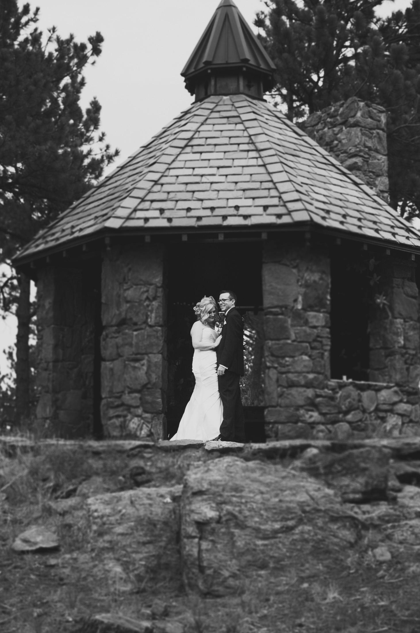 146elopement-photographer-colorado-boettcher_mansion_wedding_brianne&justin_0655-2bw.jpg