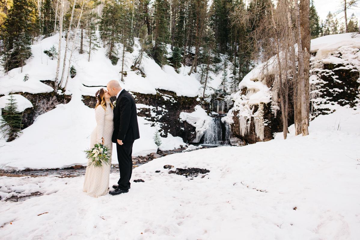 telluride-winter-wedding-mountain-wedding-photographer-paige&chad-0827-2_adventurours-elopement-photographer-elopement-and-a-wedding-photography-02.jpg