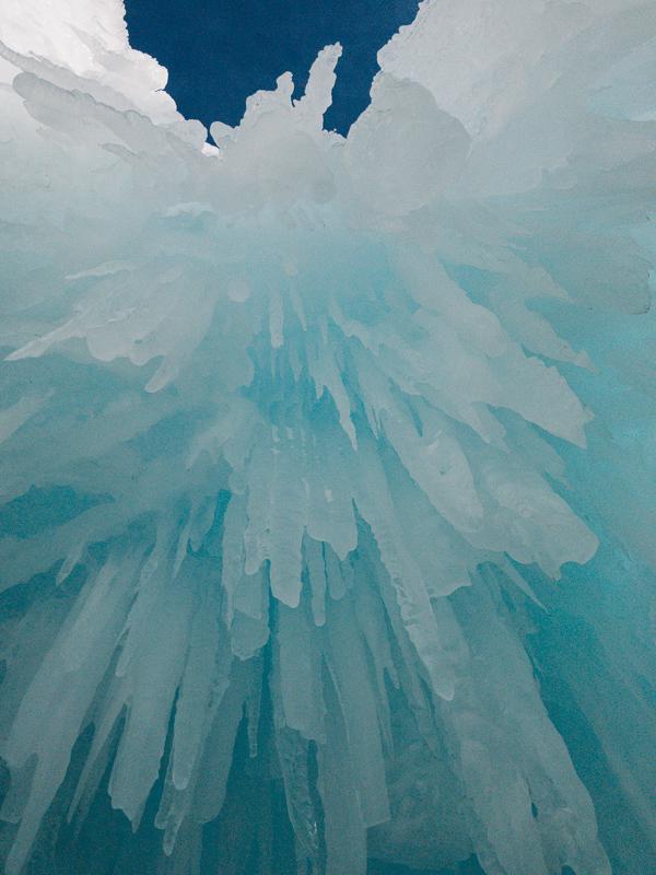 ice-castles-colorado-dillon-2018-Jan-03.jpg