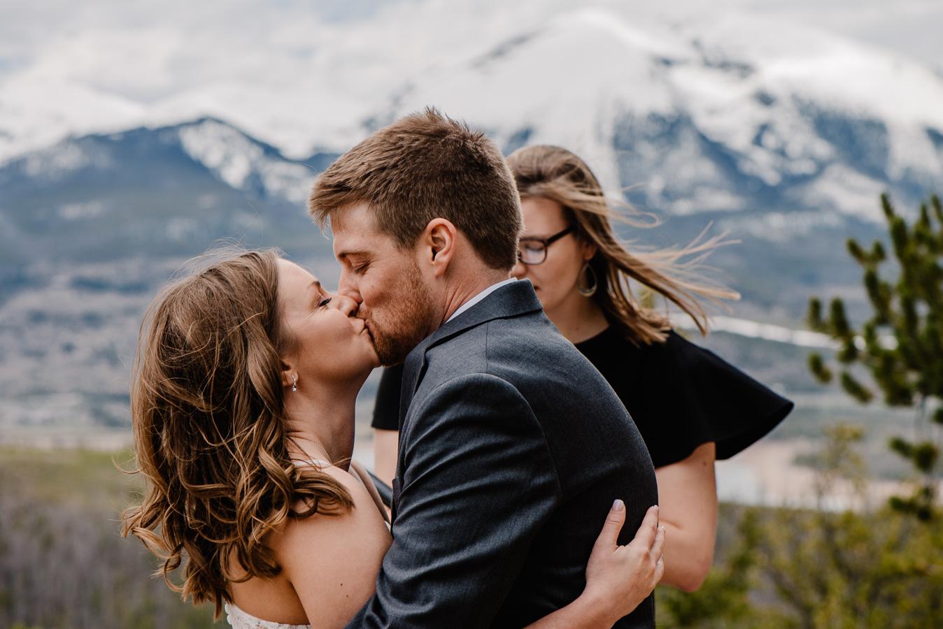01-Sapphire-Point-Wedding-Photos-Aubrey&Gabe-Colorado-Mountain-Elopement-Photos-154.jpg