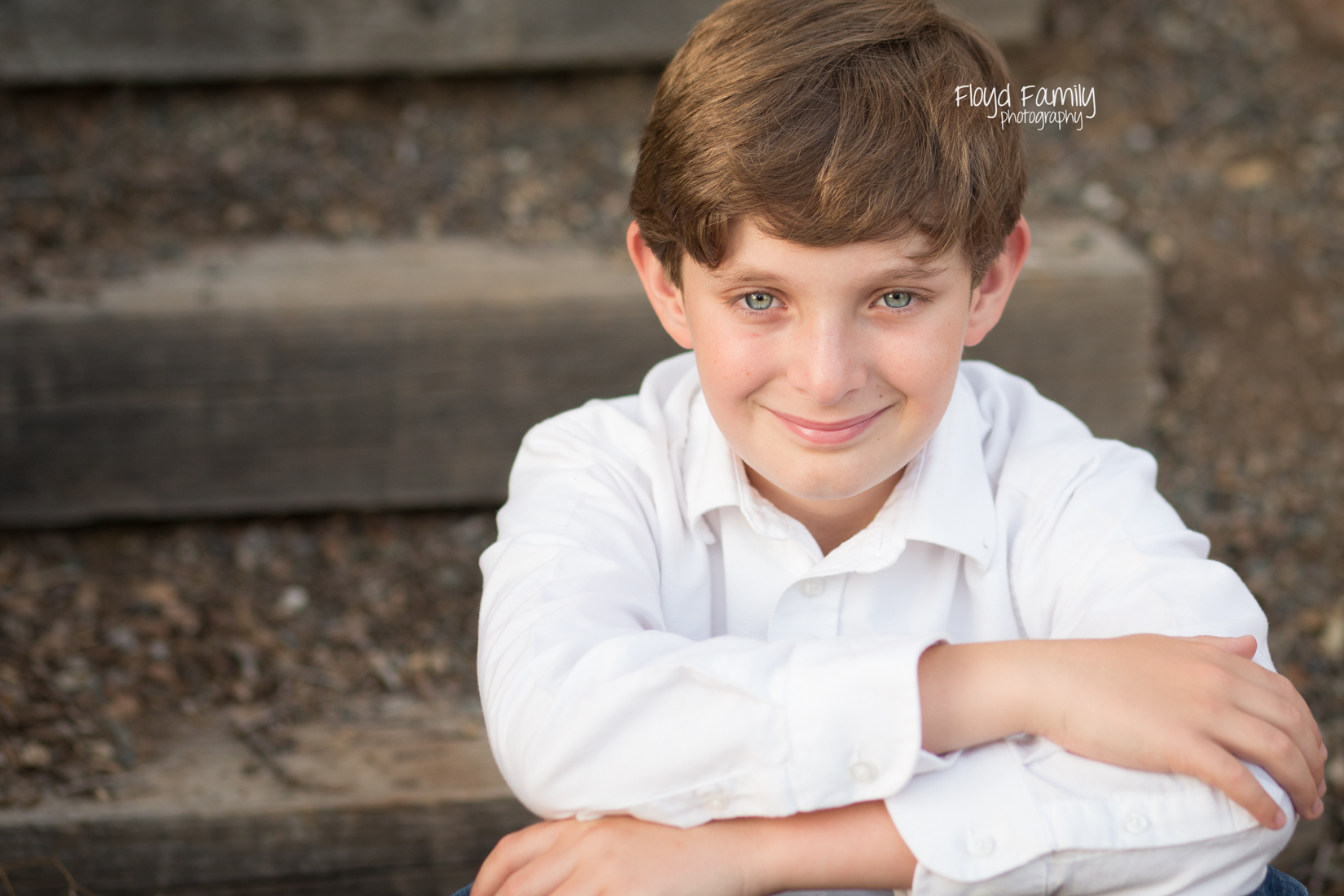 young boy sitting on steps | Placerville-Children-Photography