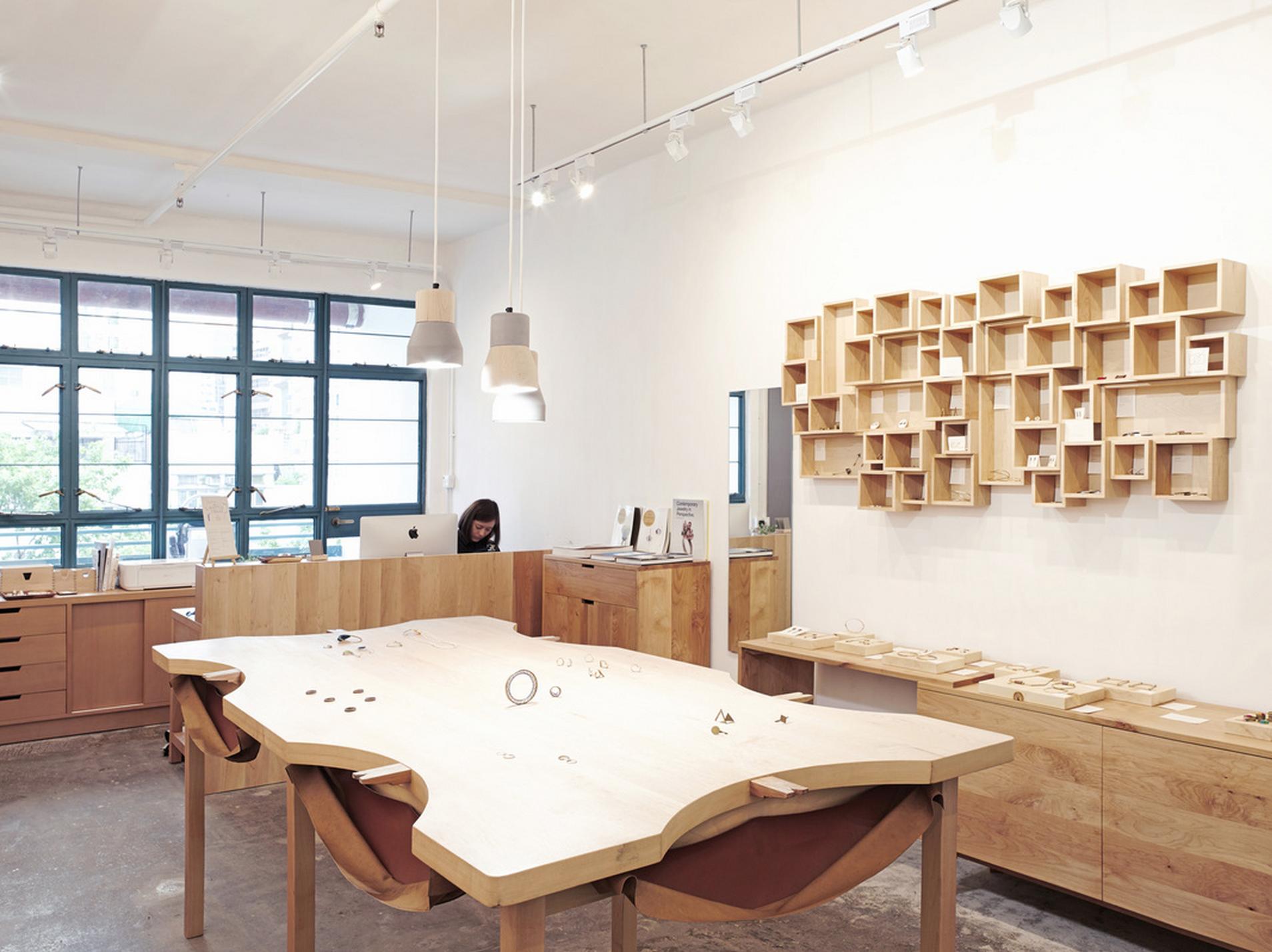 the LiTTLE FiNGER shop og showroom in PMQ, H206