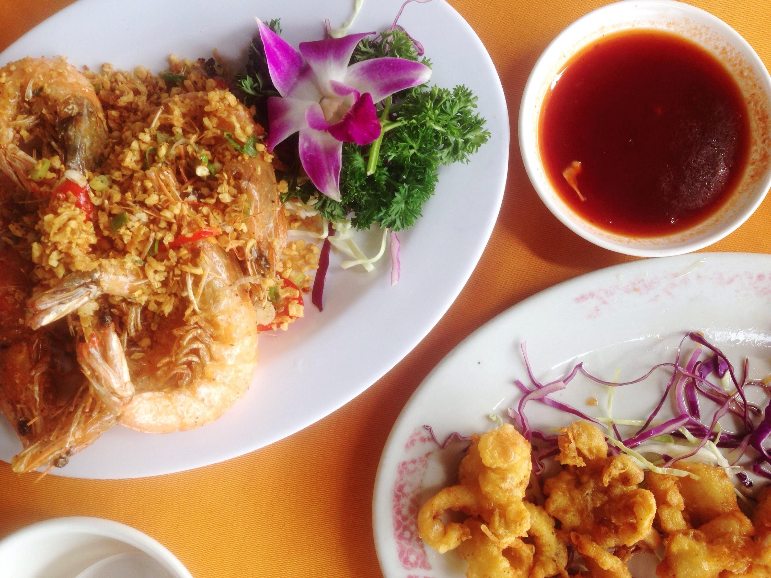 Lamma Seafood Restaurant served the best scallops, prawns and kalamari