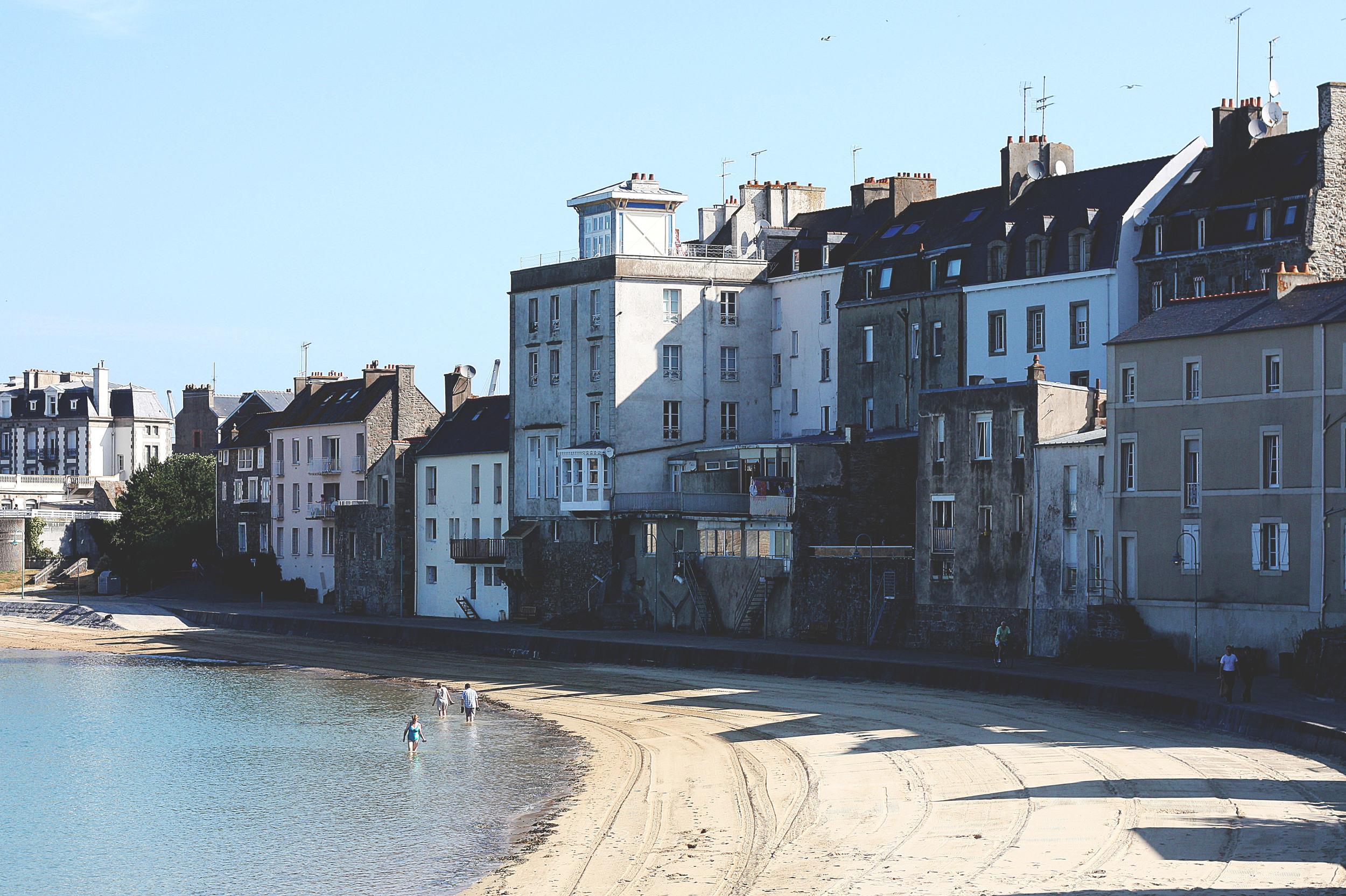 Bretagne 13 - Endearment Endure