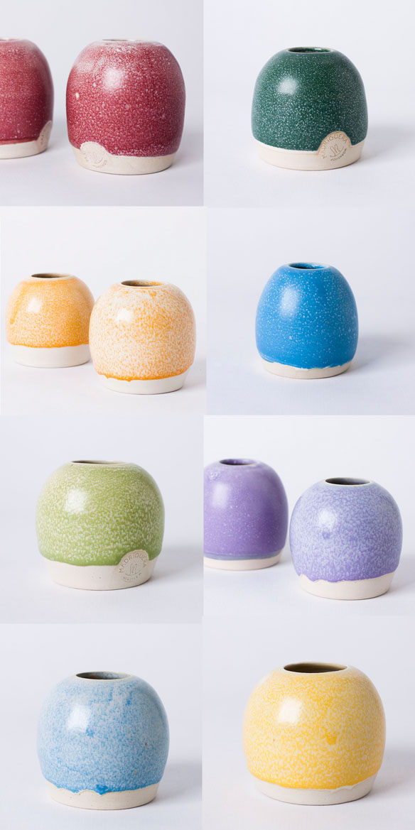 Ball vase - The process is entirely handcraftedThese pieces are made by potter's wheel in stoneware clay.There're 3 measures: MINI / S / MAnd vibrant glazes!!