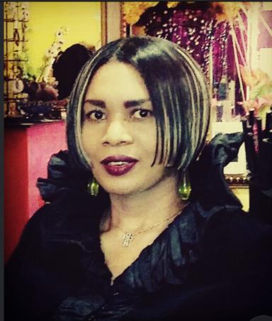 Owner of Salon Leslie Nicole