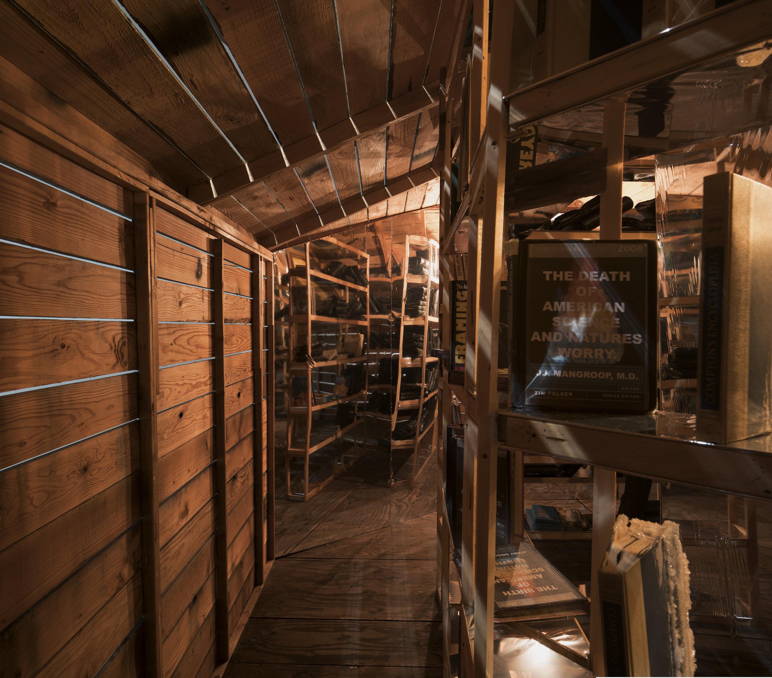 hut_interior_5.jpg