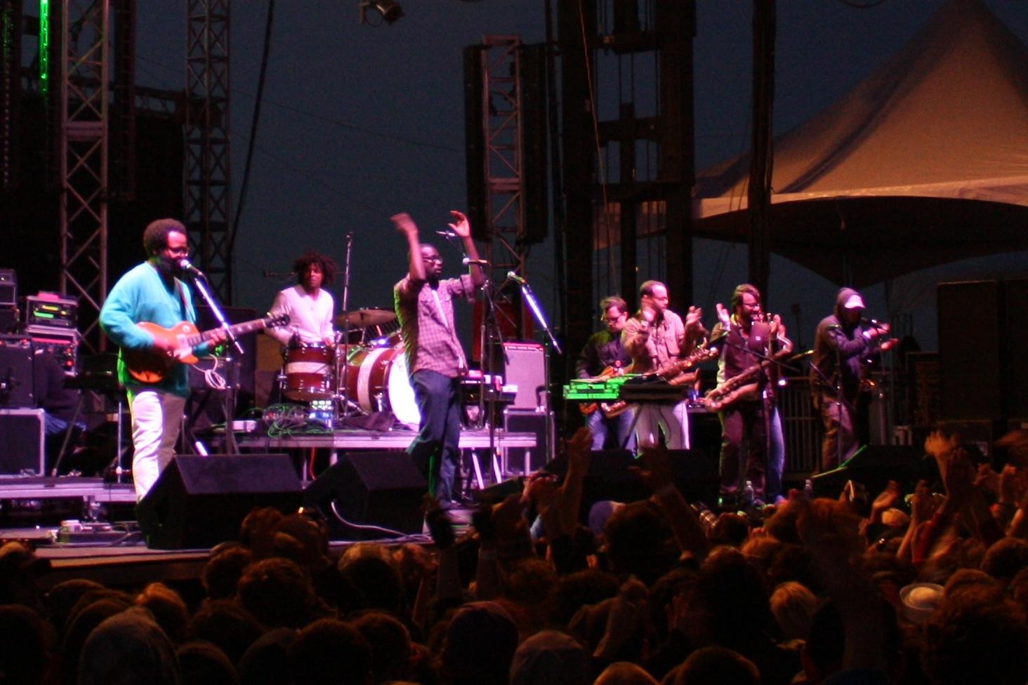 Antibalas_TV_on_the_Radio_2008_Treasure_Island_Music_Festival_cropped.jpg