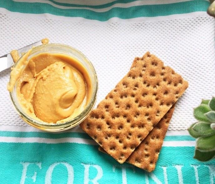 Erdnussbutter zum Frühstück = Energie für den Tag