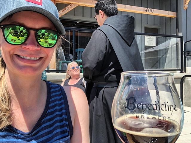 Belgium Dubbel and lots of sunshine at @benedictinebrewery! The beer is made by the monks from Mt. Angel Abbey, with hops grown on their land, using water from their well. Look for bottles from Benedictine Brewery included in an upcoming #craftbrewbouquet🍻