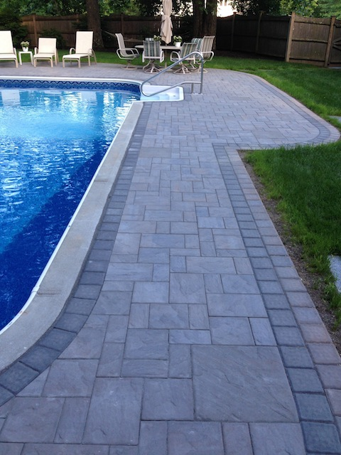 Pool Deck with Pavers2(480x640).jpg