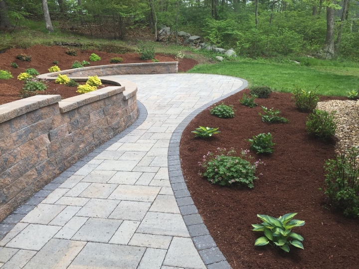 Curved retaining wall and Permeable patio