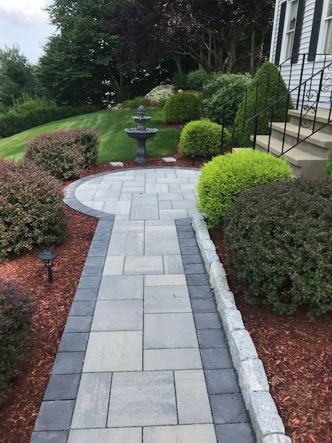 Permeable Walkway with Cobblestone Edging.jpg