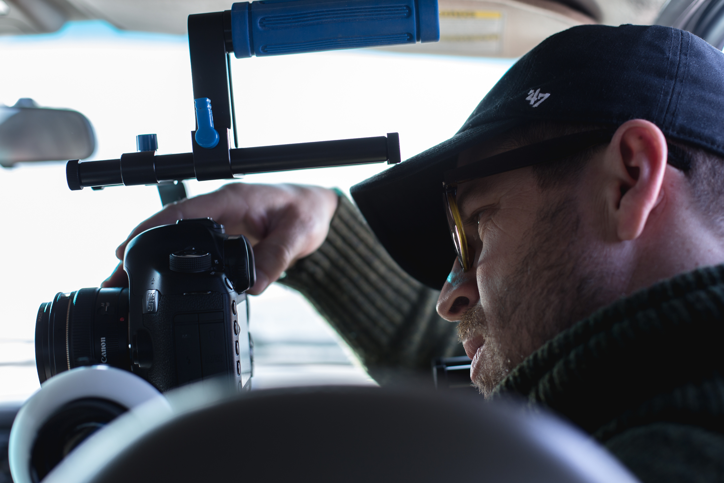 Joel Addams Filming on a Should Rig and 5D