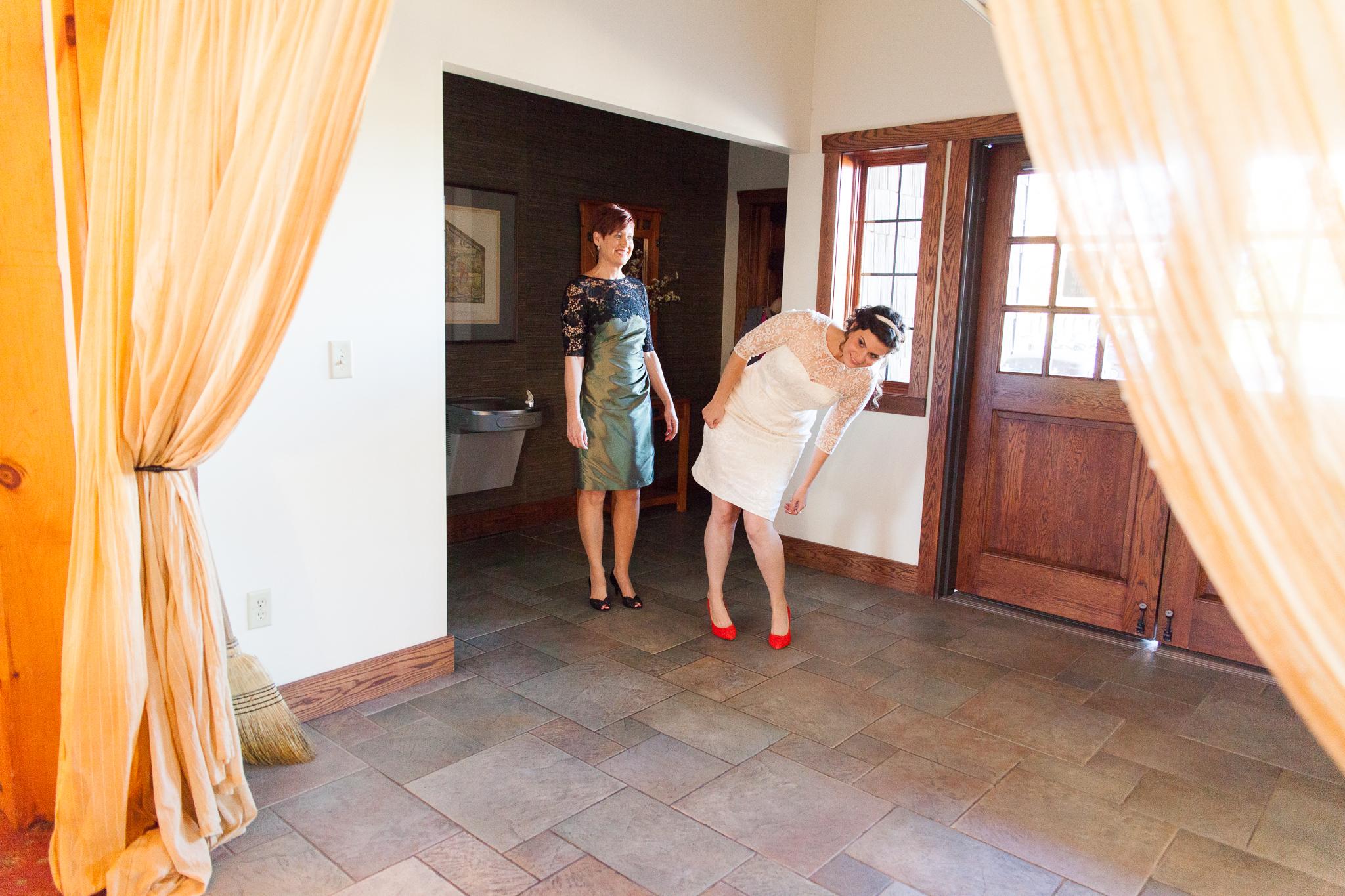 camuglia-whomstudio-chelsea_and_andy-nycphotographer-wedding-brooklyn-buffalo-timberlodge-011-0031.jpg