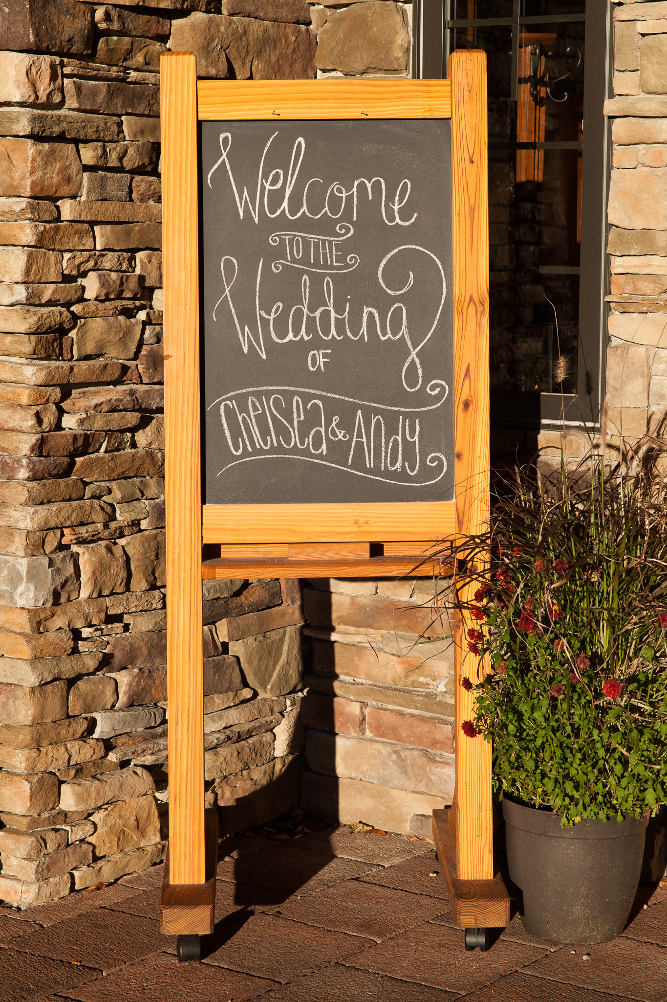 camuglia-whomstudio-chelsea_and_andy-nycphotographer-wedding-brooklyn-buffalo-timberlodge-045-0311.jpg