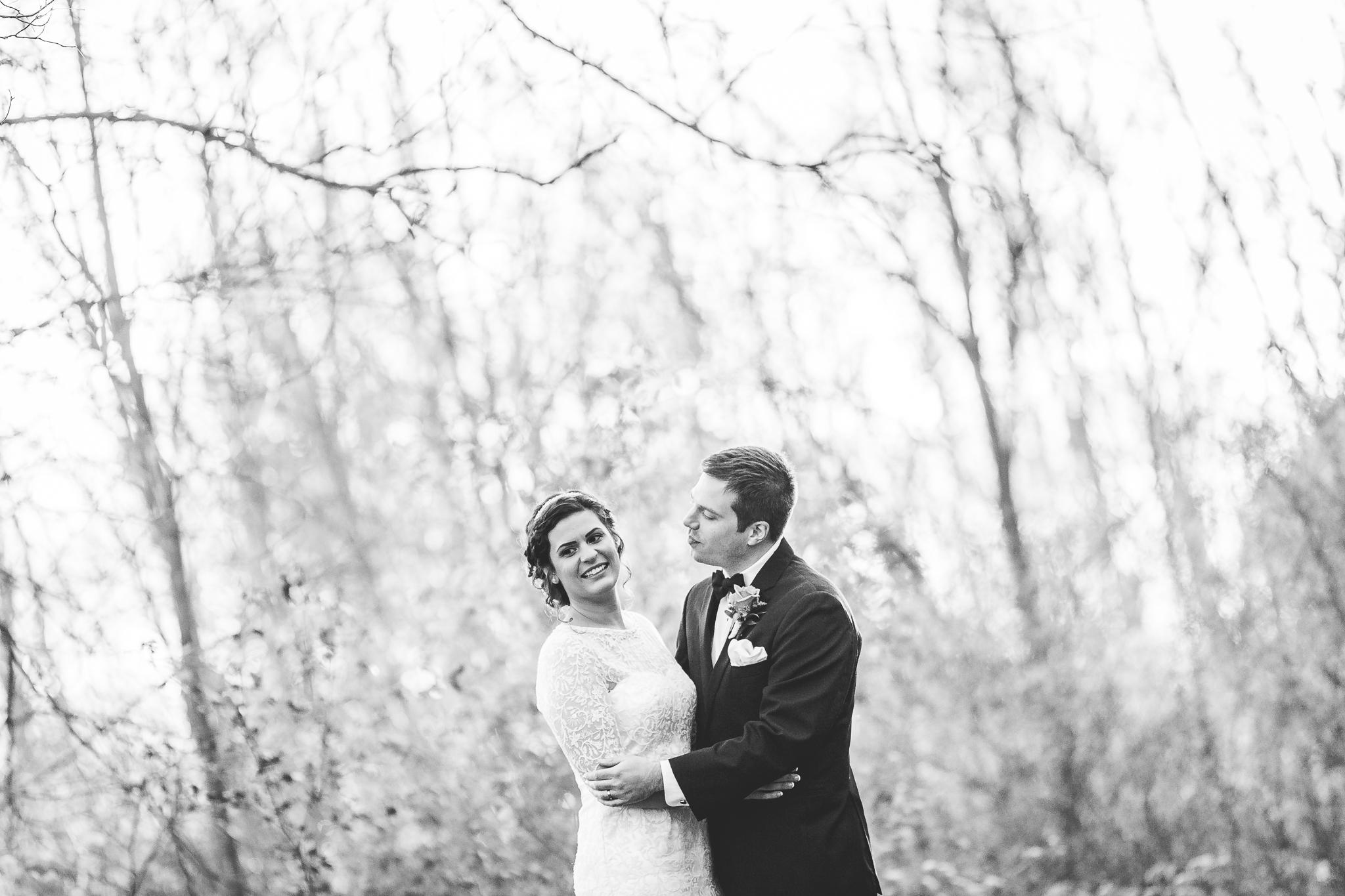camuglia-whomstudio-chelsea_and_andy-nycphotographer-wedding-brooklyn-buffalo-timberlodge-054-5415.jpg