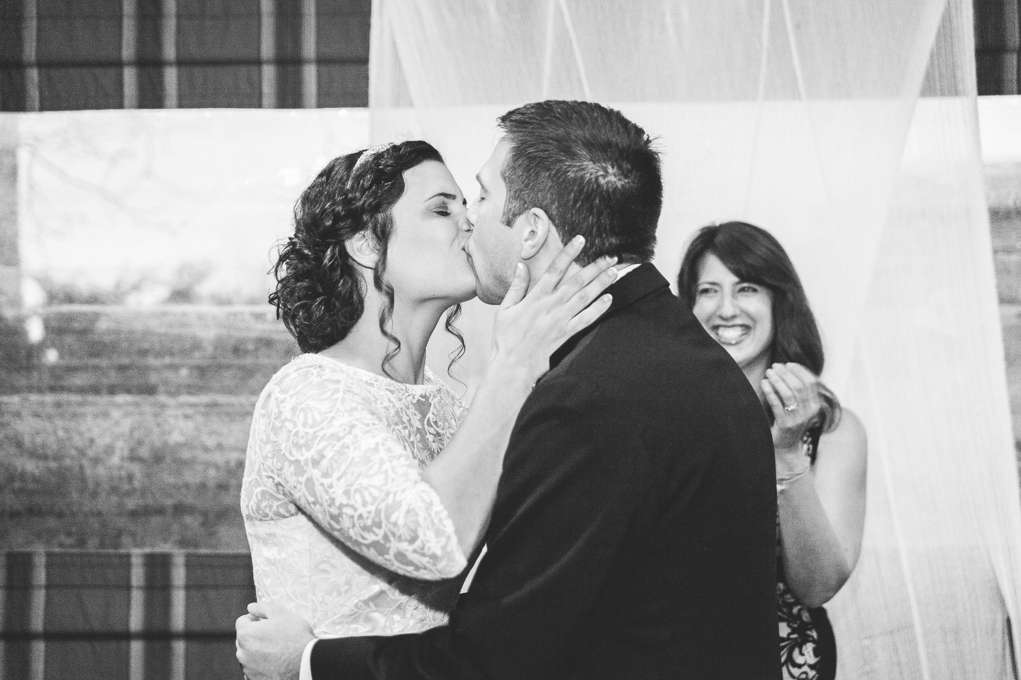 camuglia-whomstudio-chelsea_and_andy-nycphotographer-wedding-brooklyn-buffalo-timberlodge-089-0639.jpg