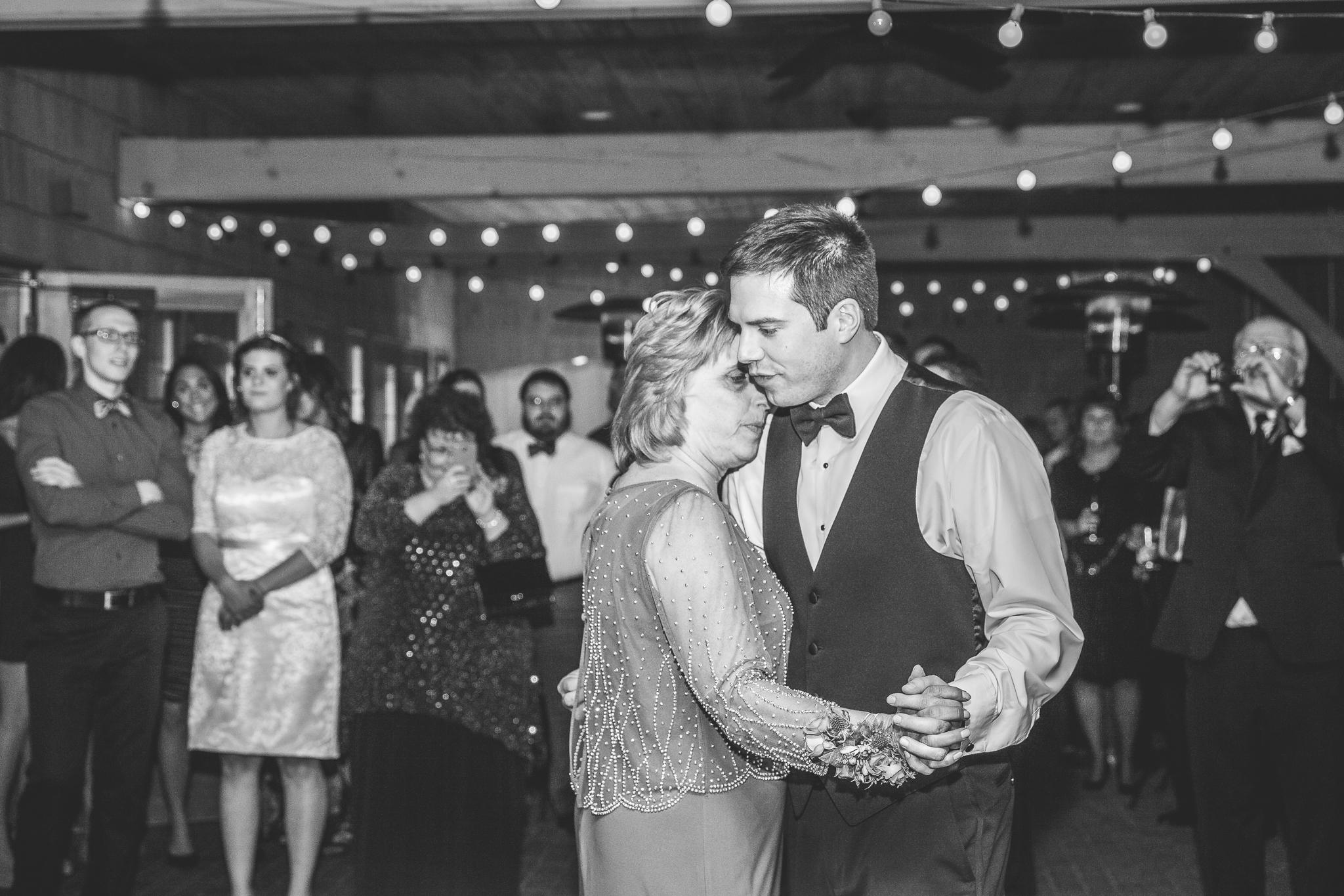 camuglia-whomstudio-chelsea_and_andy-nycphotographer-wedding-brooklyn-buffalo-timberlodge-126-0784.jpg