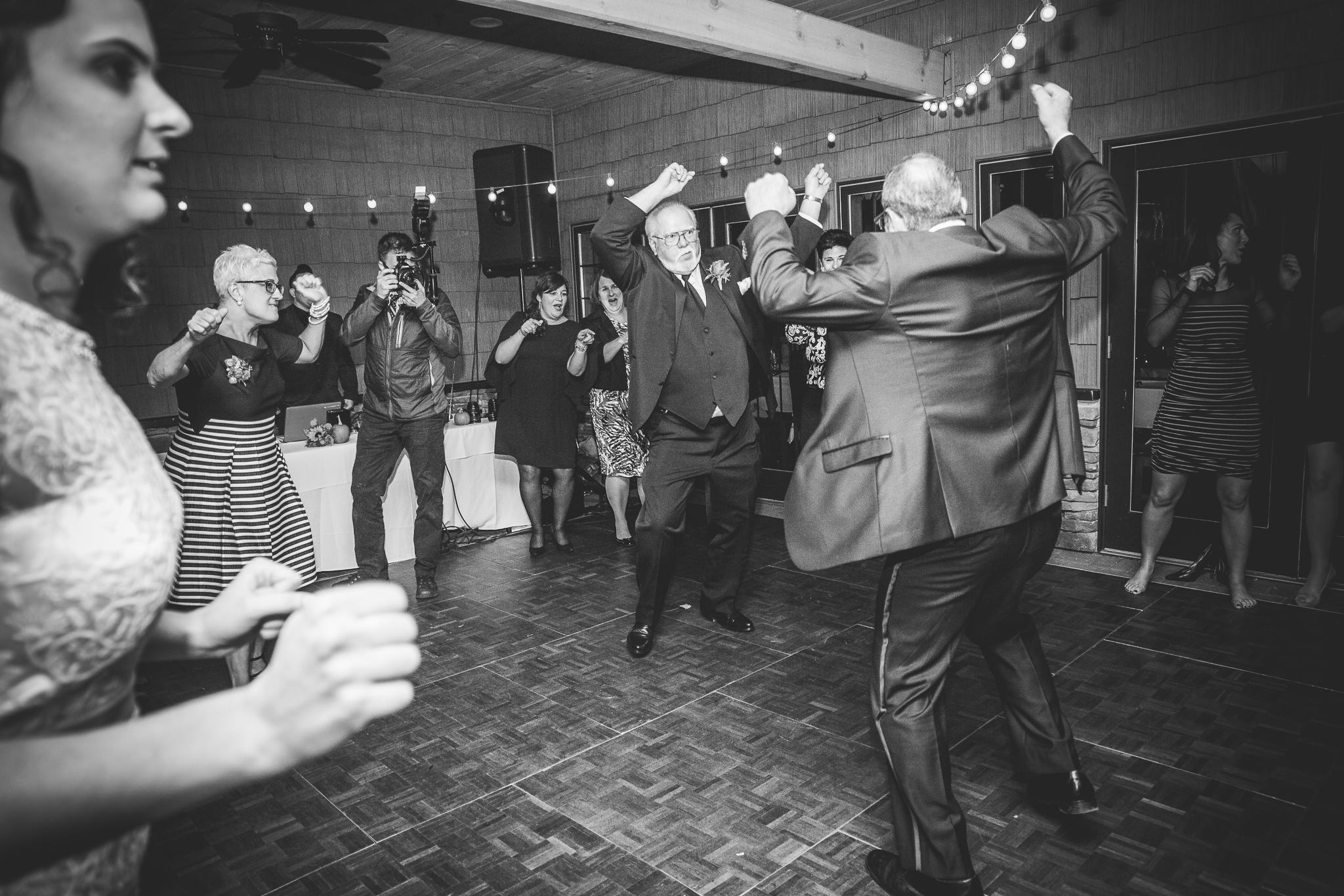 camuglia-whomstudio-chelsea_and_andy-nycphotographer-wedding-brooklyn-buffalo-timberlodge-144-0912.jpg