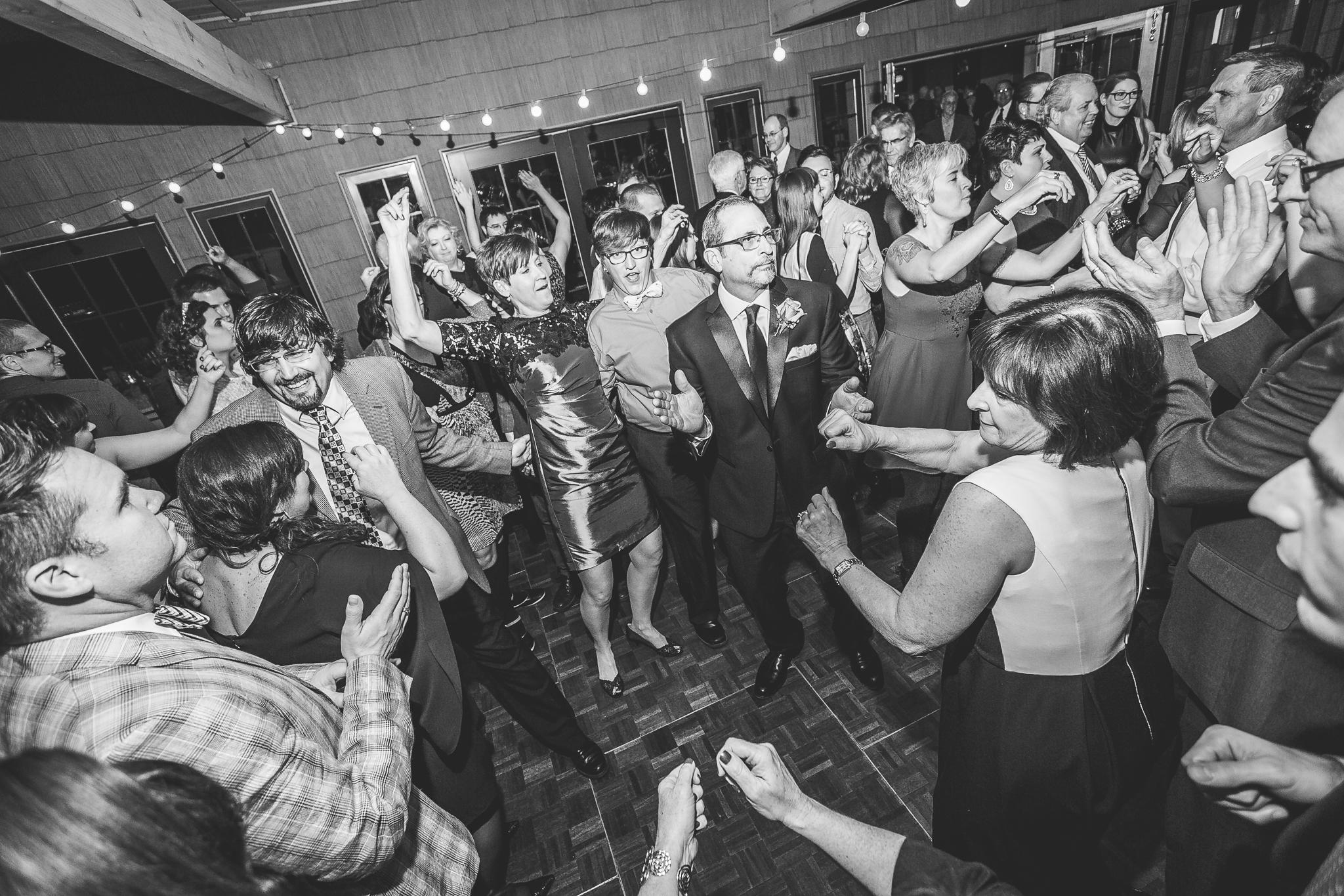 camuglia-whomstudio-chelsea_and_andy-nycphotographer-wedding-brooklyn-buffalo-timberlodge-158-5695.jpg
