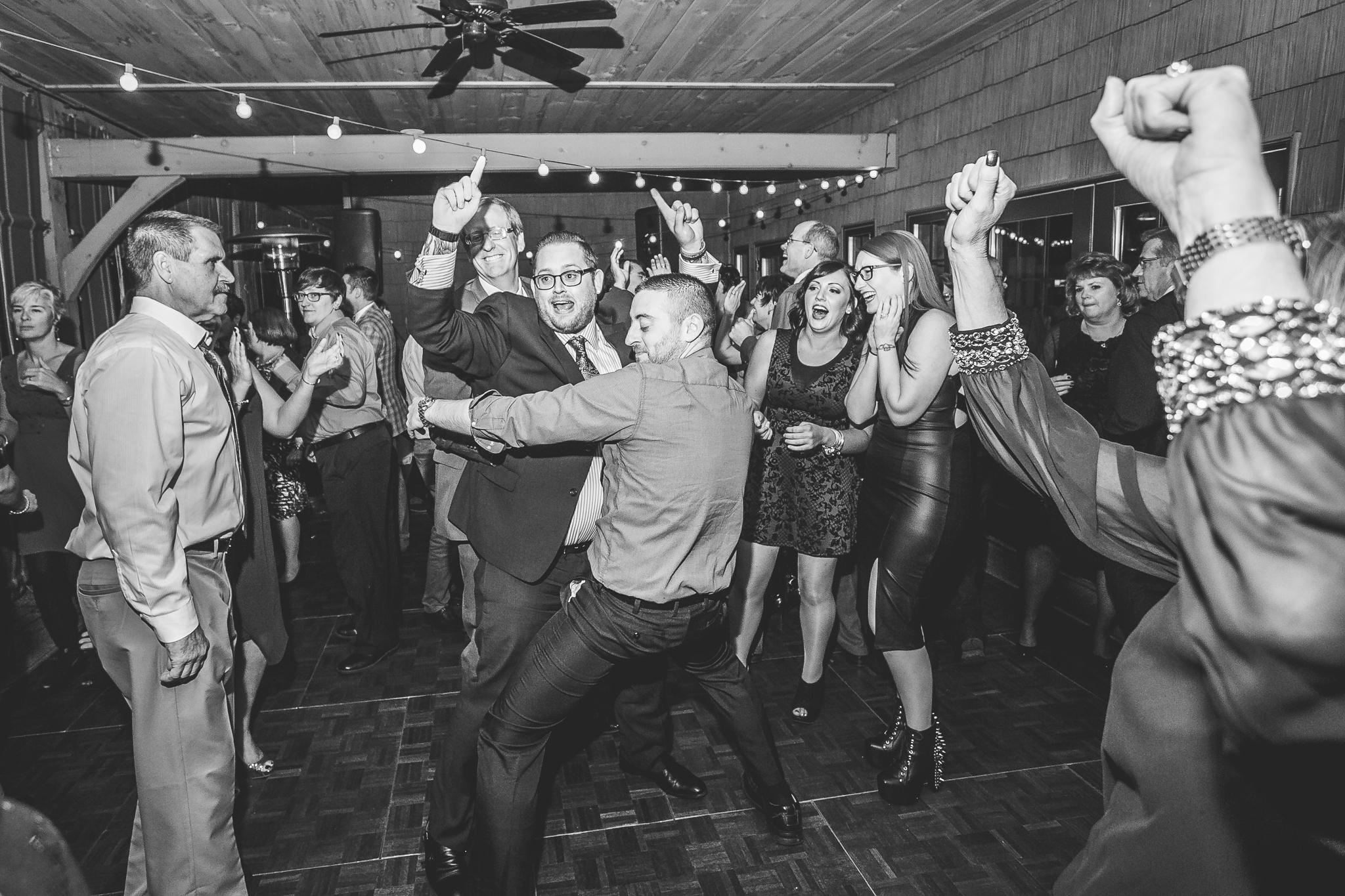 camuglia-whomstudio-chelsea_and_andy-nycphotographer-wedding-brooklyn-buffalo-timberlodge-159-5699.jpg