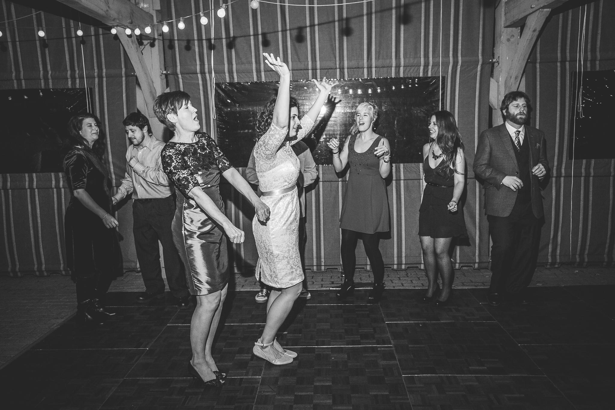 camuglia-whomstudio-chelsea_and_andy-nycphotographer-wedding-brooklyn-buffalo-timberlodge-168-5739.jpg