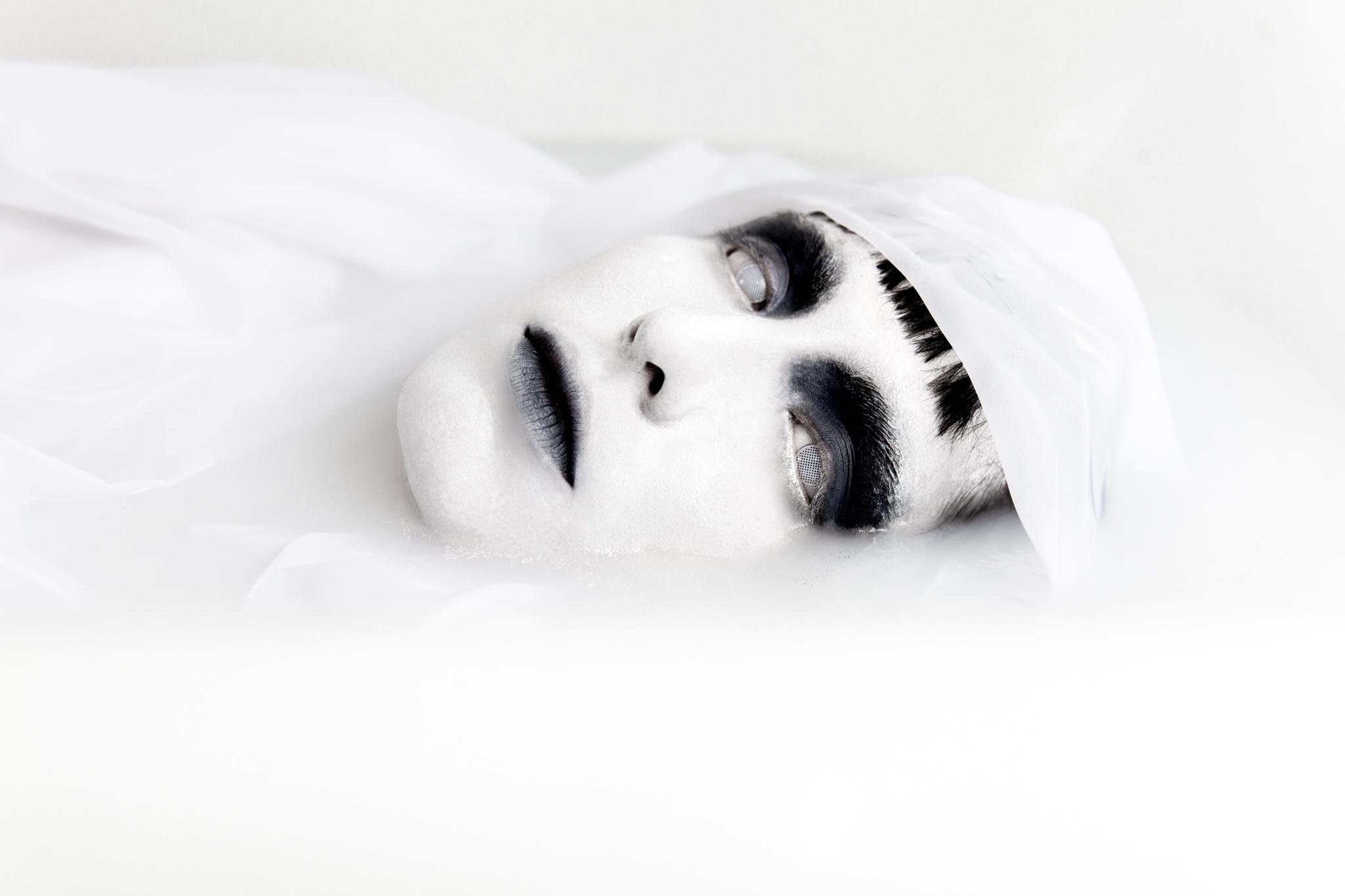 whomstudio_lisa-martin_milk-ghost_0024_2048.jpg