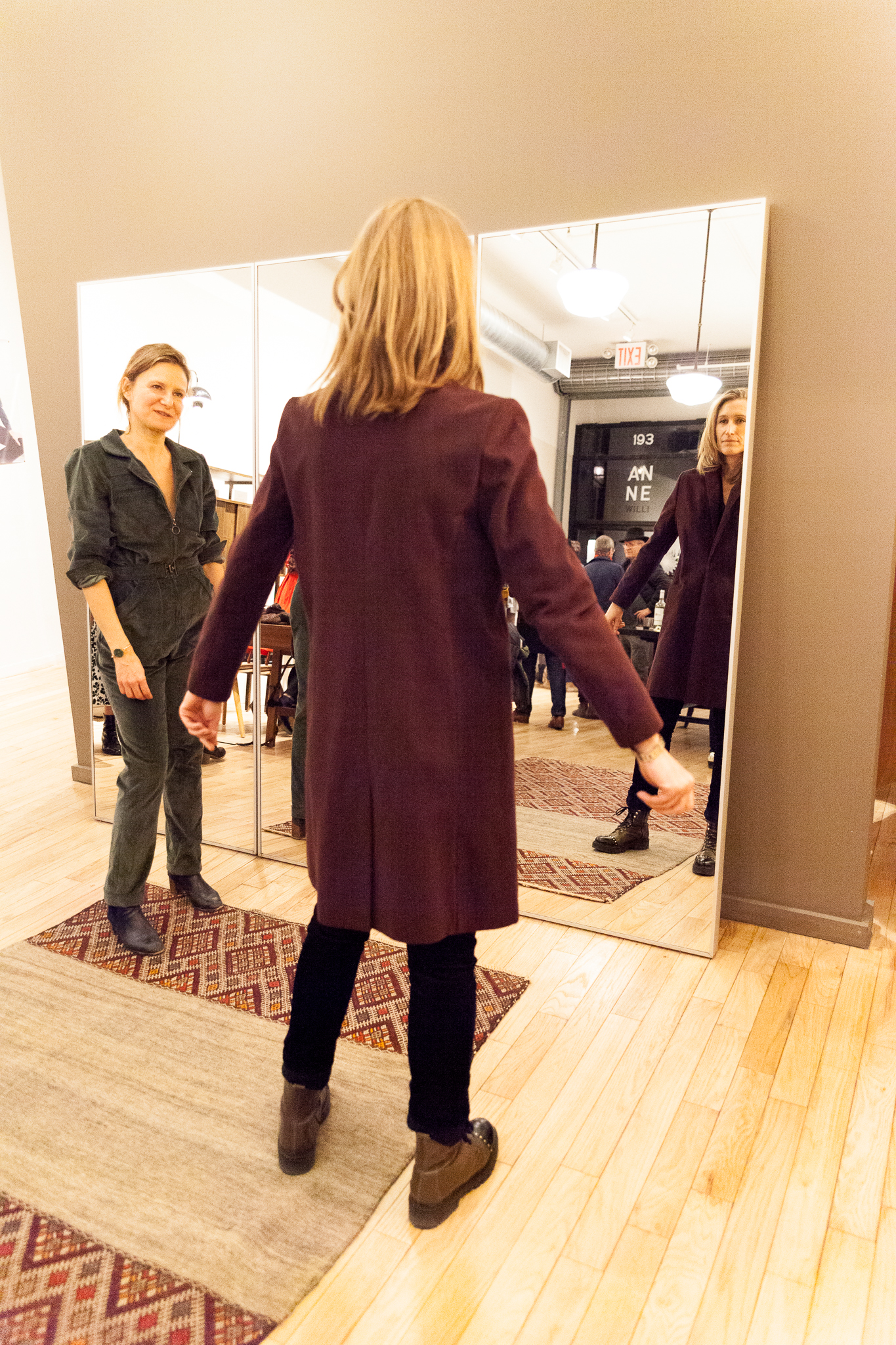 camuglia_anne-willi-holiday-party-nyc-2018_0044_2048.jpg