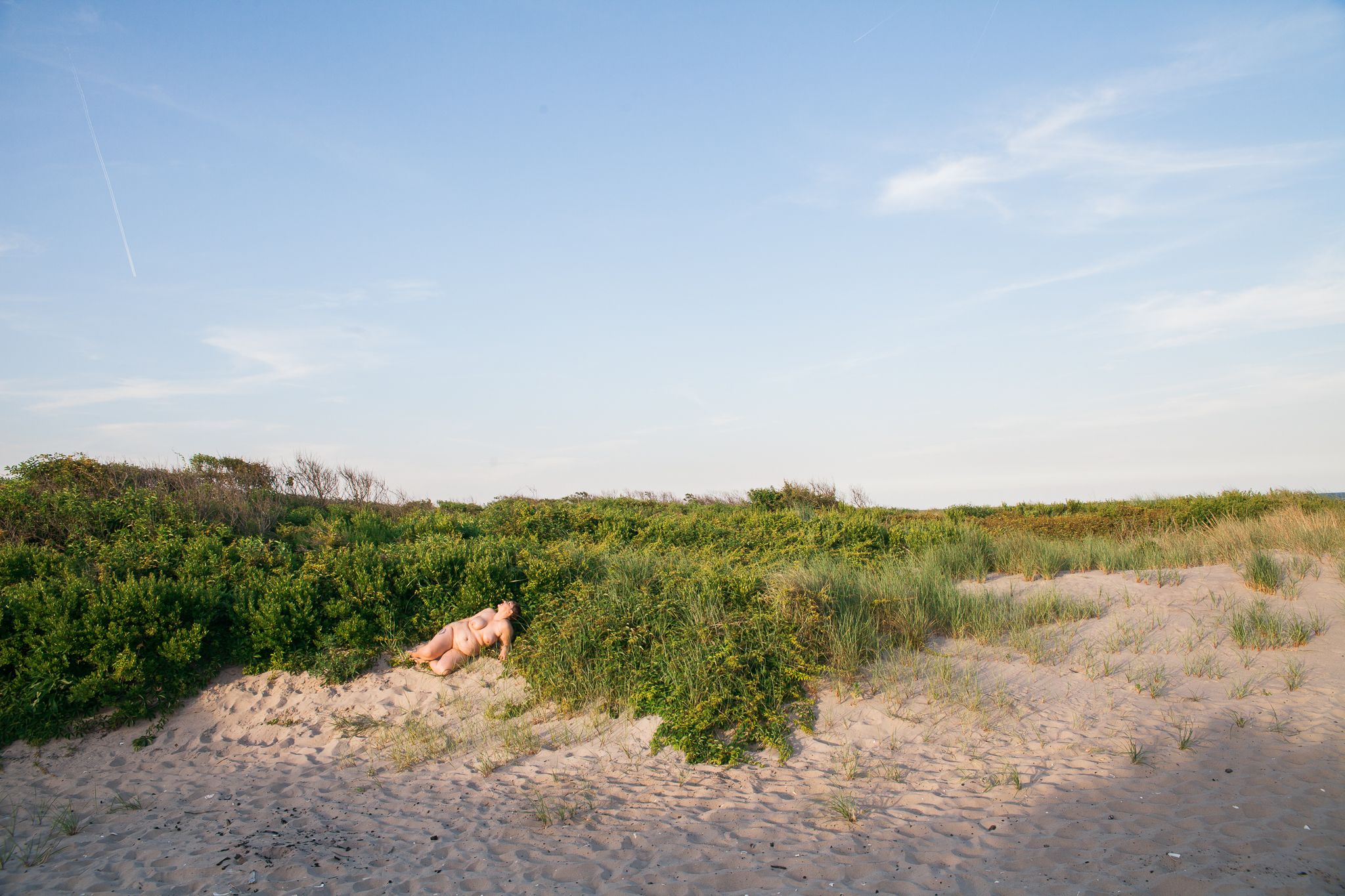 whomstudio_laura-delarato-fort-tilden-beach-nyc_0588-2048.jpg