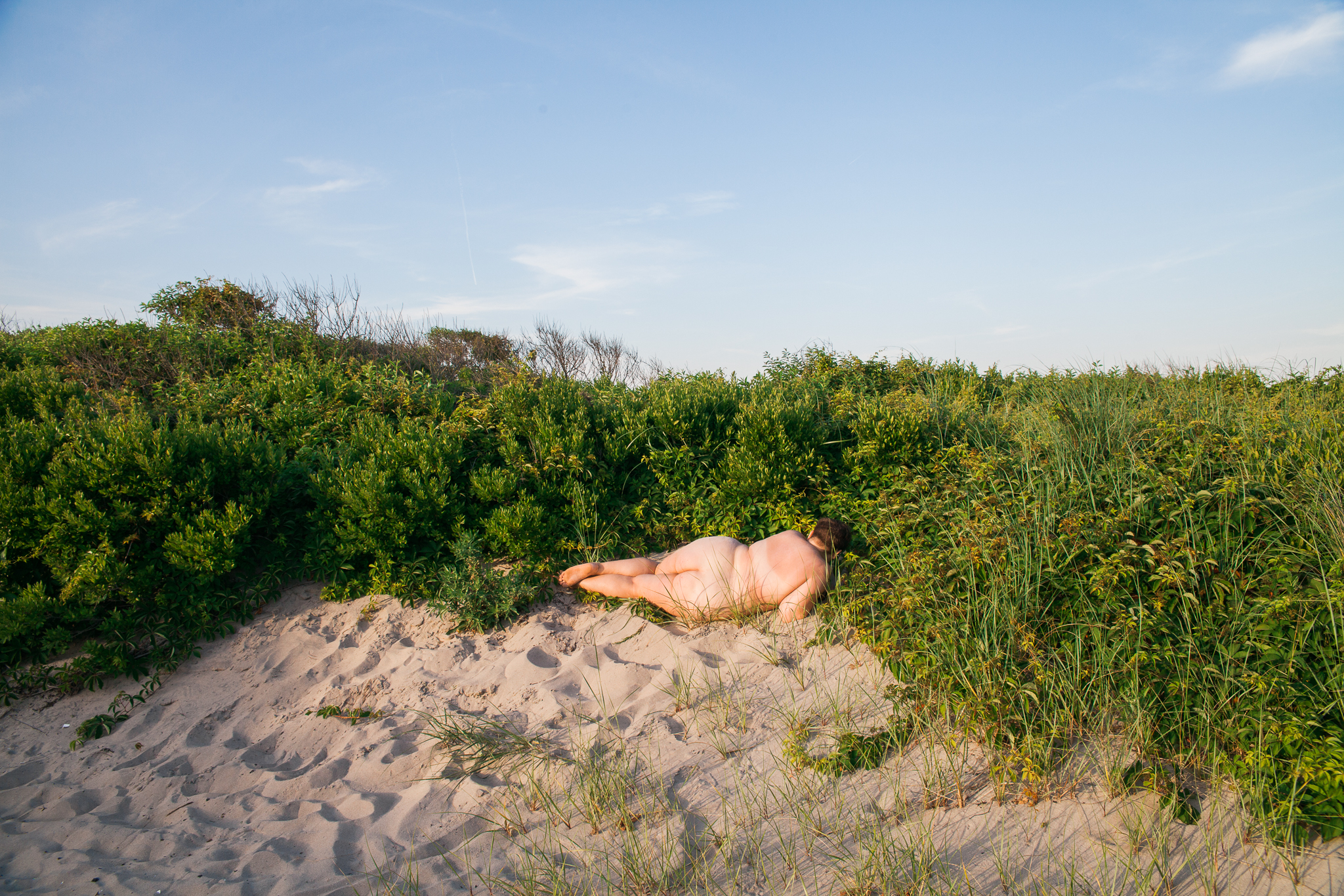 whomstudio_laura-delarato-fort-tilden-beach-nyc_0592-2048.jpg