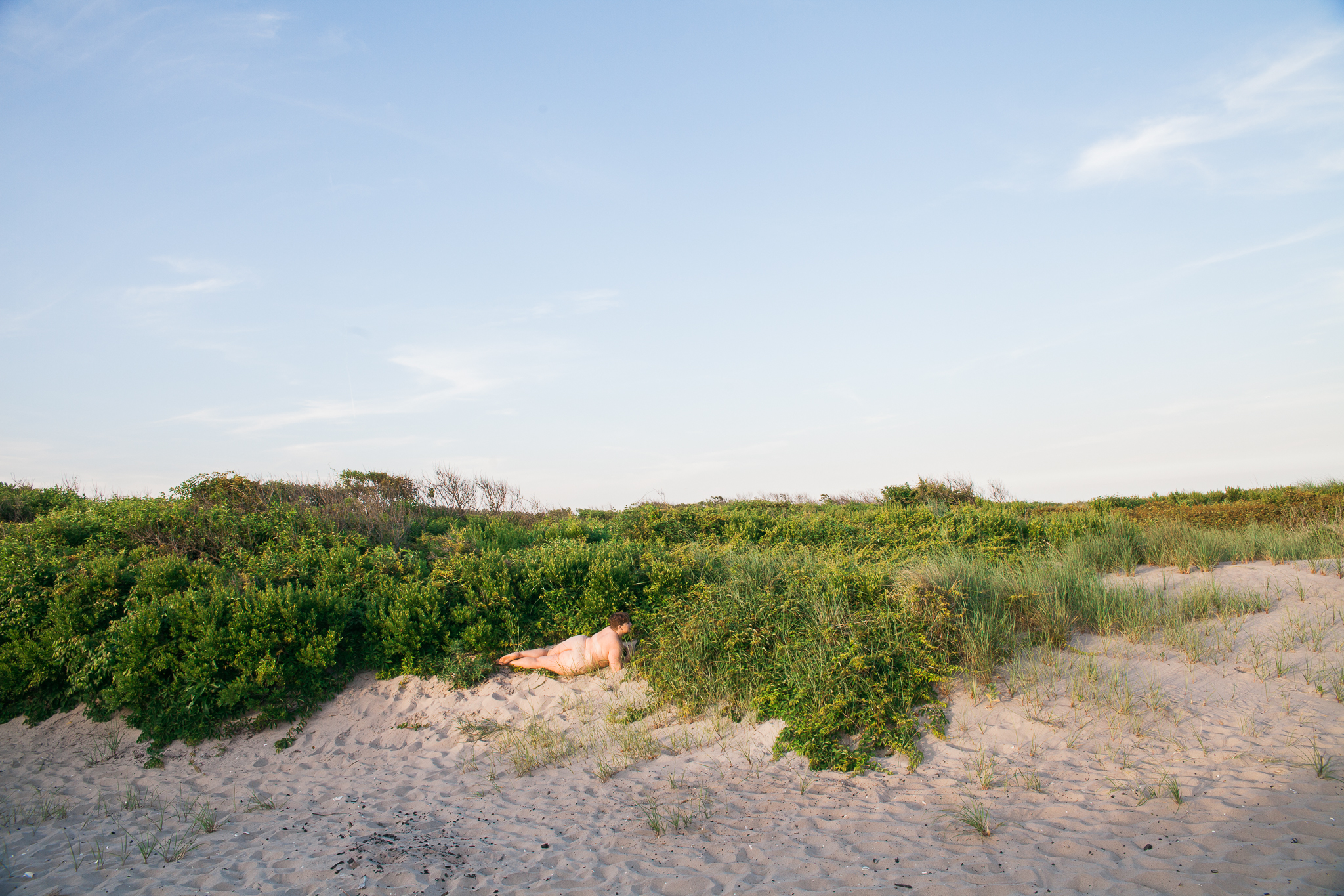 whomstudio_laura-delarato-fort-tilden-beach-nyc_0598-2048.jpg