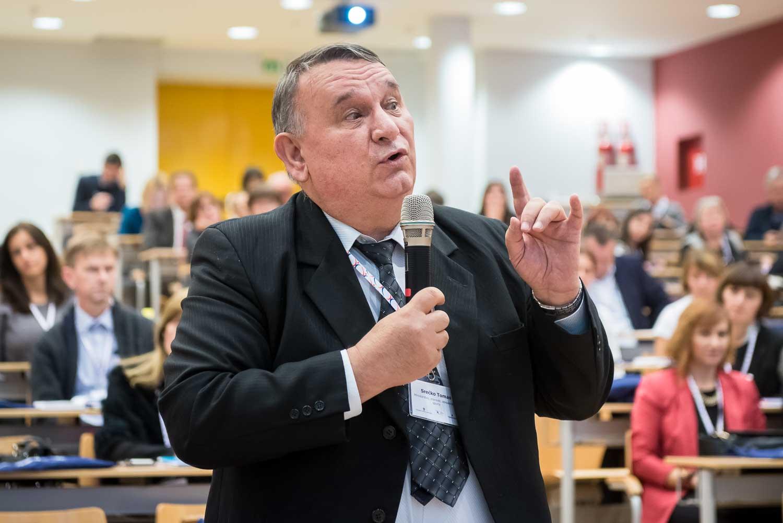 fotografiranje-poslovne-konferencije-Zagreb-fakultet-0846.jpg