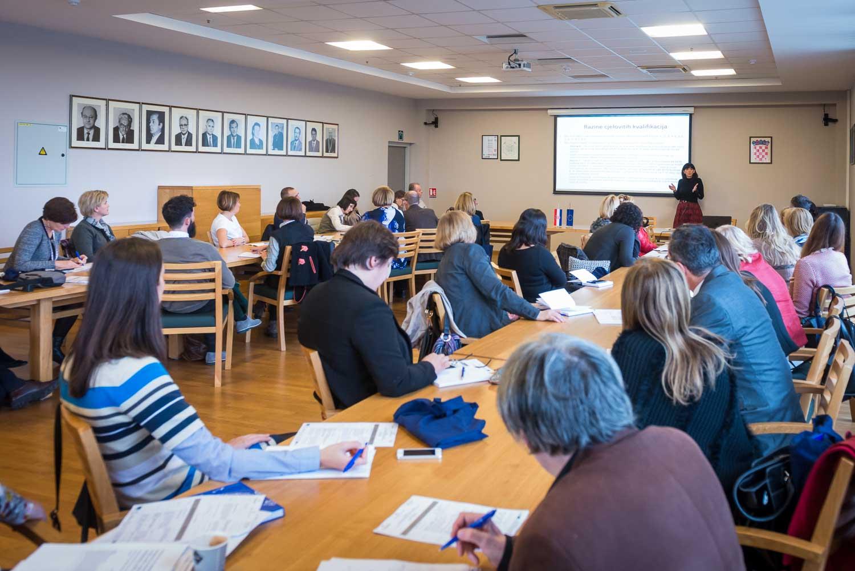 fotografiranje-poslovne-konferencije-Zagreb-fakultet-1011.jpg