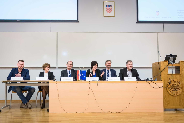 fotografiranje-poslovne-konferencije-Zagreb-fakultet-1658.jpg