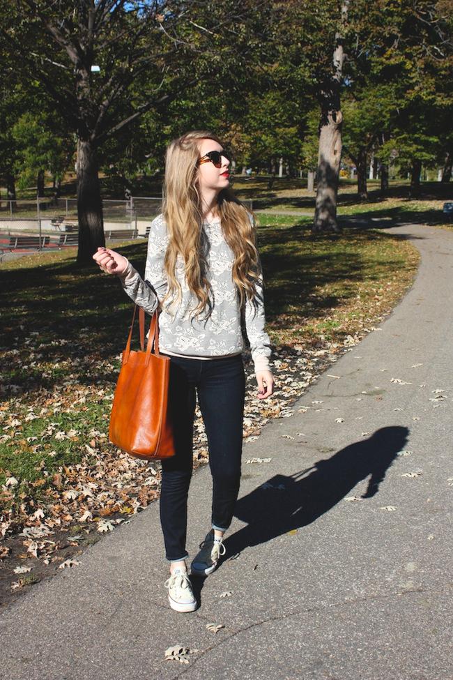 chelsea+lane+zipped+truelane+blog+minneapolis+fashion+style+blogger+madewell+denim+converse+chuck+taylor+off+white+transport+tote+bb+dakota+lilyandviolet+maybelline+color+elixir+warby+parker1.jpg